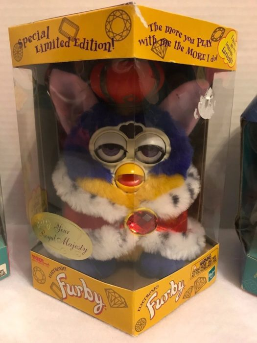royal king furby juguete clásico