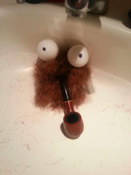 restos de barba