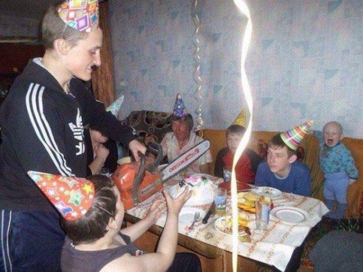 motosierra paste de cumpleaños sopresa