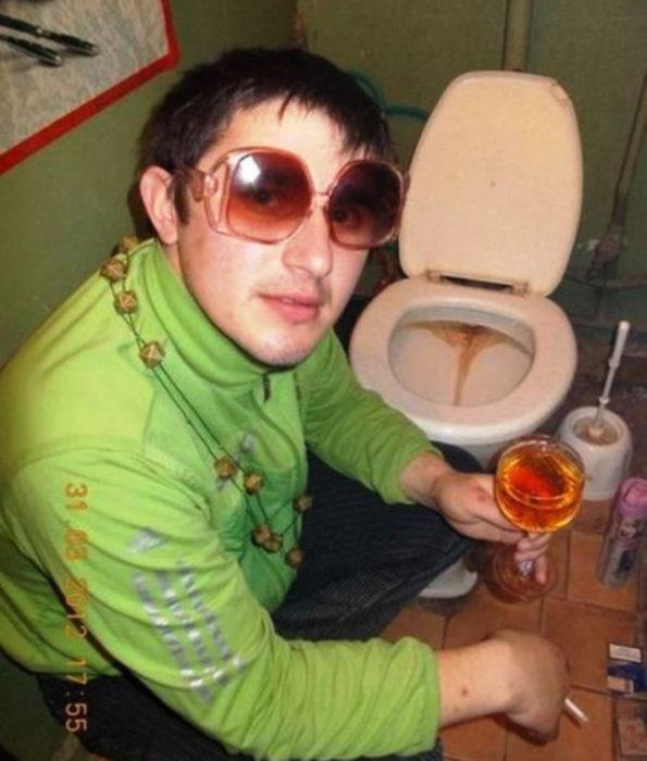 ruso seductor baño retrete soltero