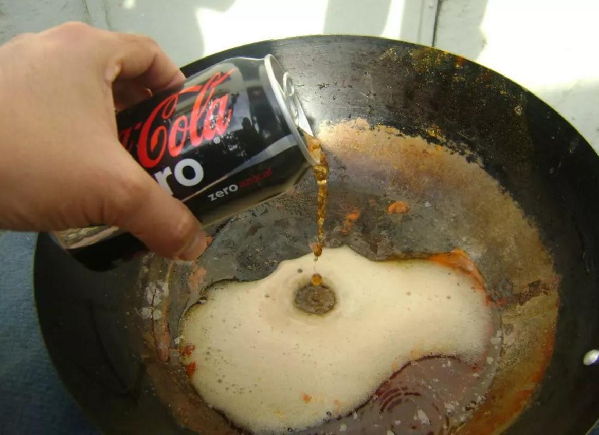 Usos pr cticos de la coca cola que pocas personas conocen - Quitar oxido coca cola ...