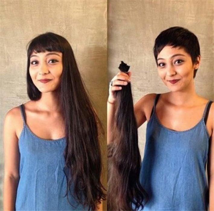 Mujer con cabello largo se lo corta
