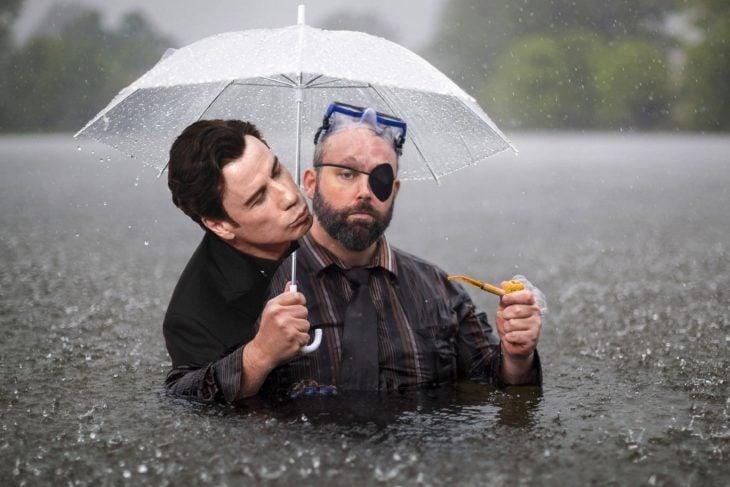 Travolta paraguas