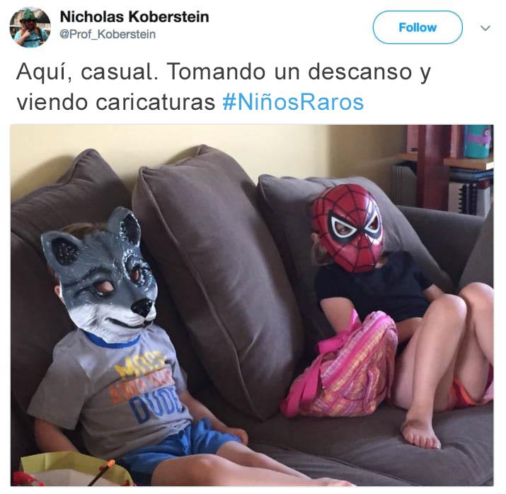 Tuits niños raros - niños viendo tele