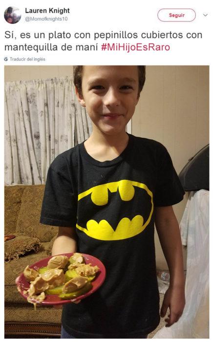 Tuits niños raros - pepinillos con mantequilla de maní