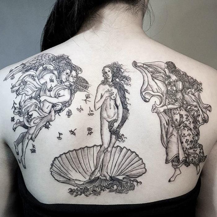 El nacimiento de venus es un tatuaje monocromatico