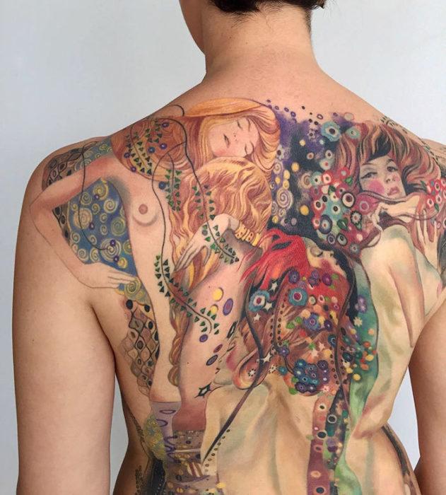 bella obra e Klimt hecha tatuaje