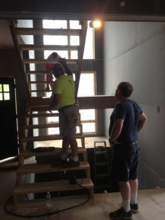 casa mal planeada escaleras madera