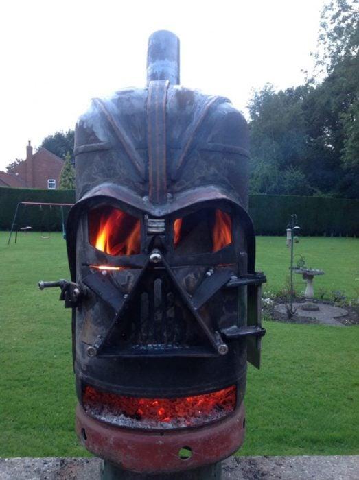 horno de hierro con la forma de Darth Vader