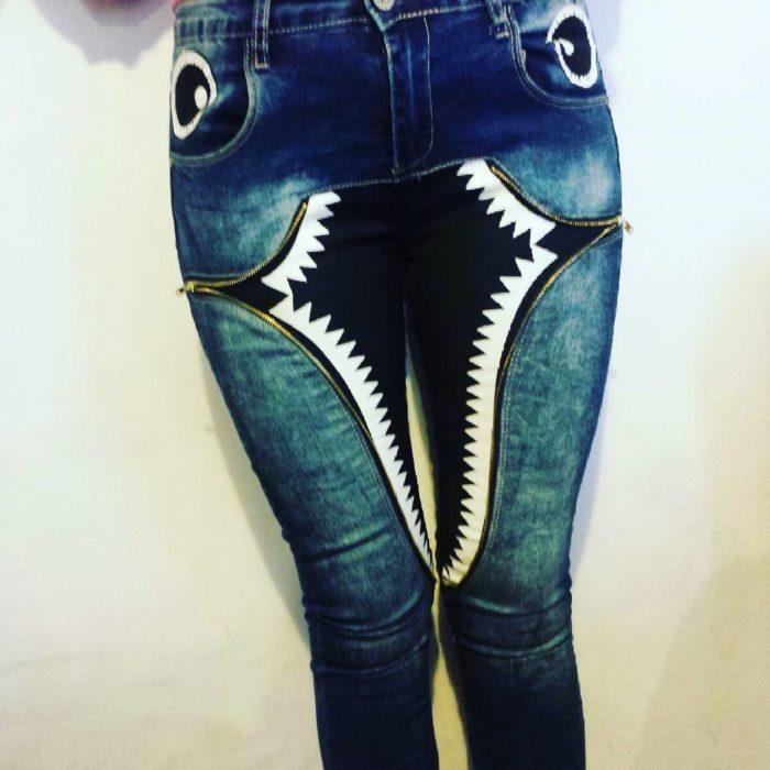 Este pantalón da miedo