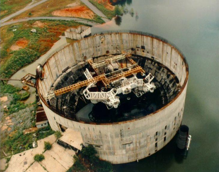 plangta nuclear fue usada para usarse como submarino para el abismo