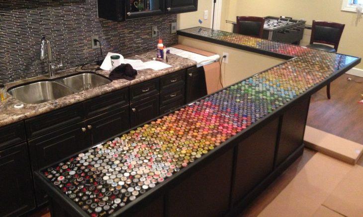 Juntó las tapas de cerveza durante 5 años y creó algo hermoso