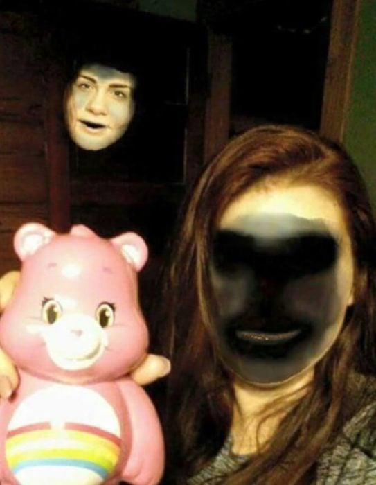 Face swap mujer y fantasma