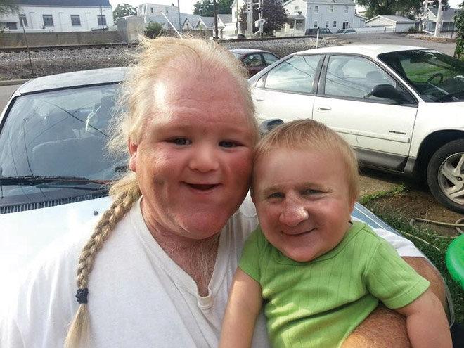 Face swap papá y bebé