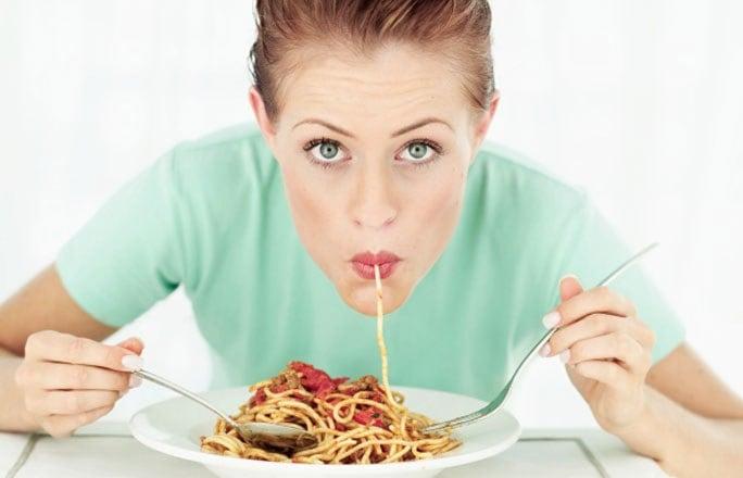Comer espagueti