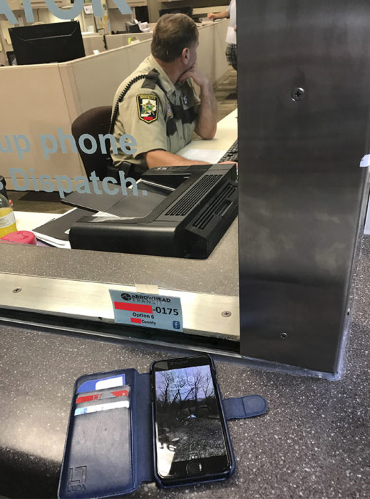 Trolea ladrón - celular con tarjetas