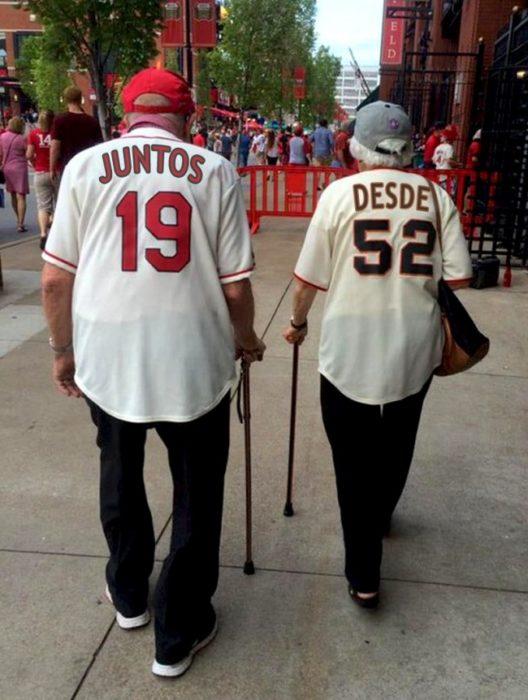 viejitos amor eterno