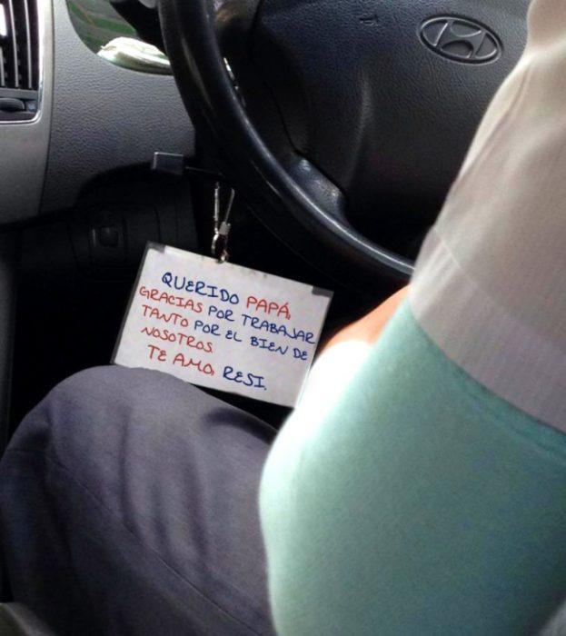 letrero taxista llaves