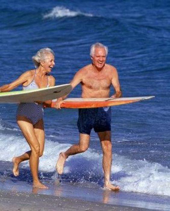 Abuelitos surf RecreoViral.com