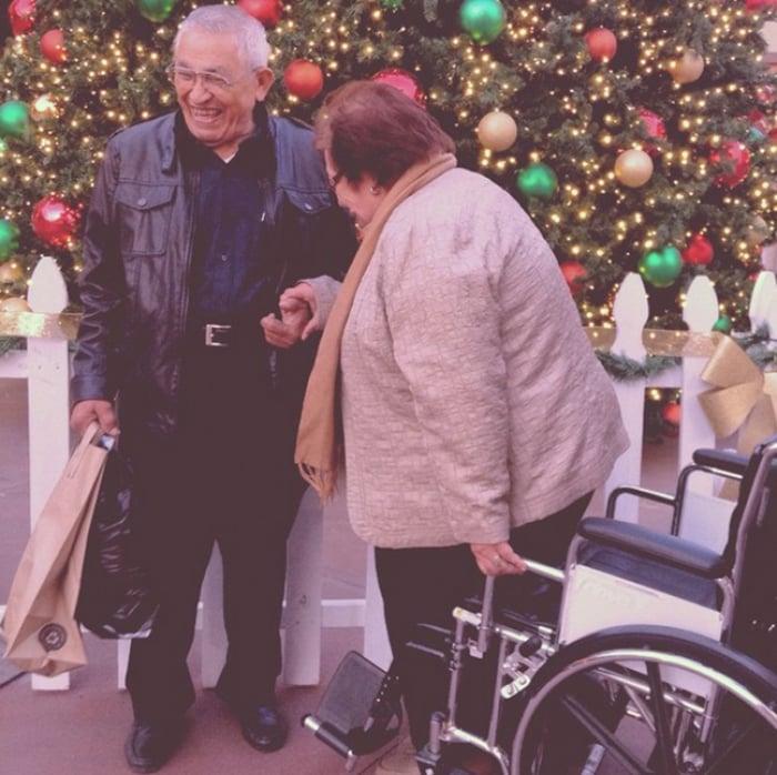 Abuelitos Navidad juntos RecreoViral.com