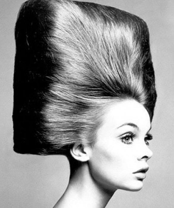 Modelo cabello cuadrado