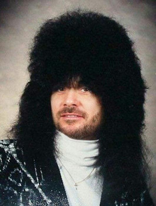 Corte de cabello largo ridículo