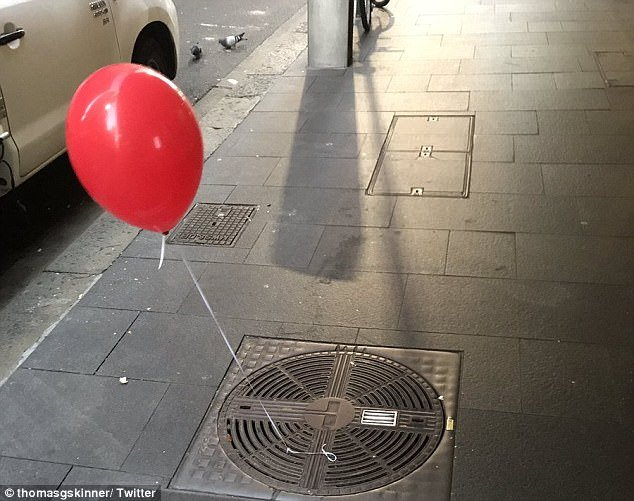 globo rojo alcantarilla eso