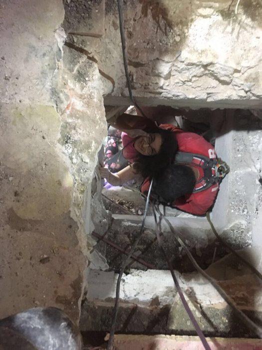 Terremoto México - chica rescatada