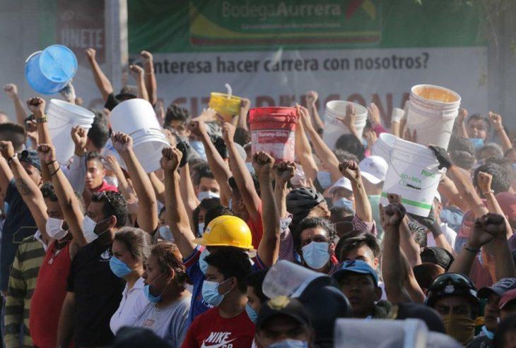 Terremoto México - puño levantado