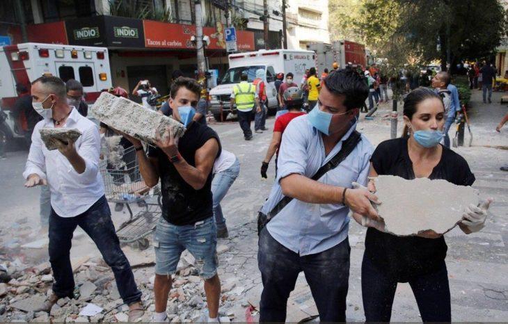 Terremoto México - mano cadena