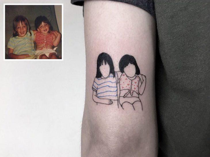 Tatuaje foto infancia - hermanas pequeñas