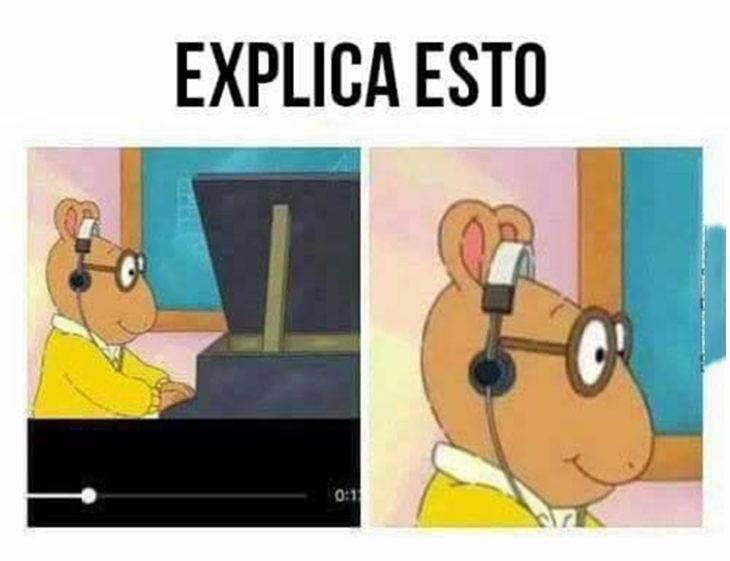 Arturo con audífonos no lógica