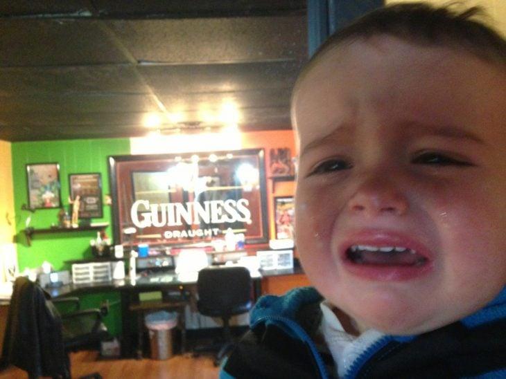bebé llorando por tatuaje