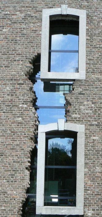 ventana incompleta vidrio