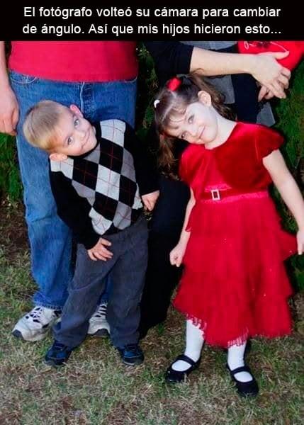 niños tomando foto