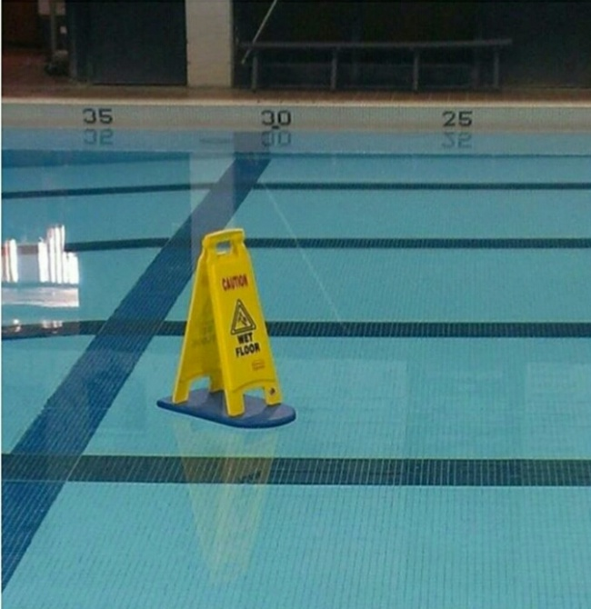 piso mojado