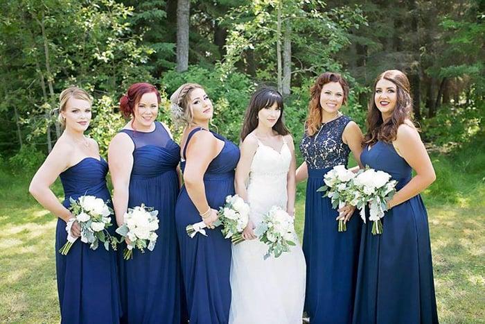 novia con damas