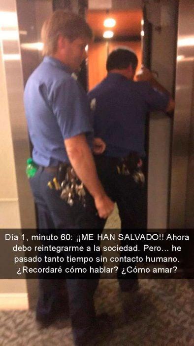 atorado en elevador rescatado