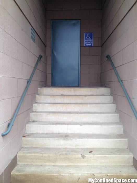 escalera discapacitados