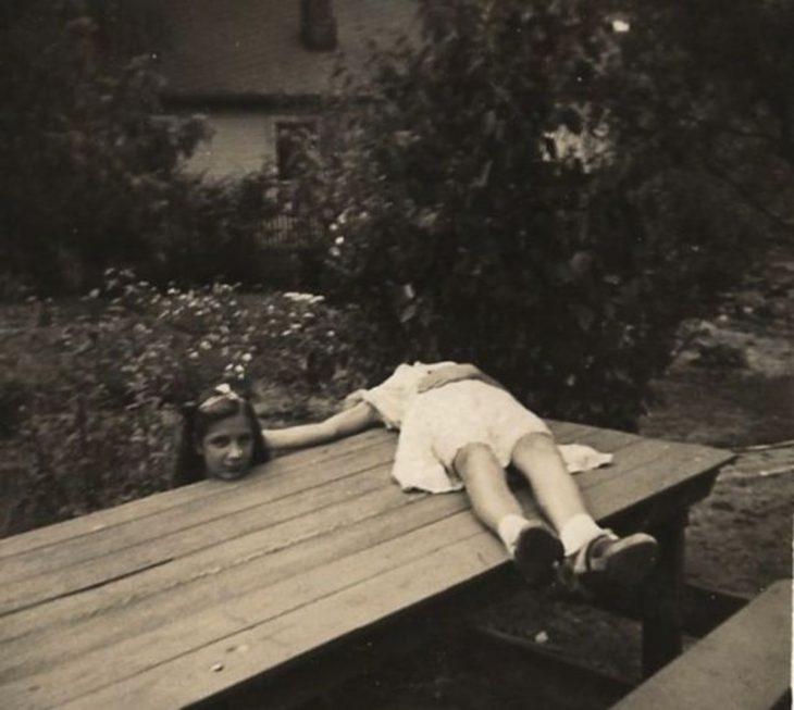 foto niña sin cabeza