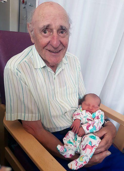 abuelo de 87 años