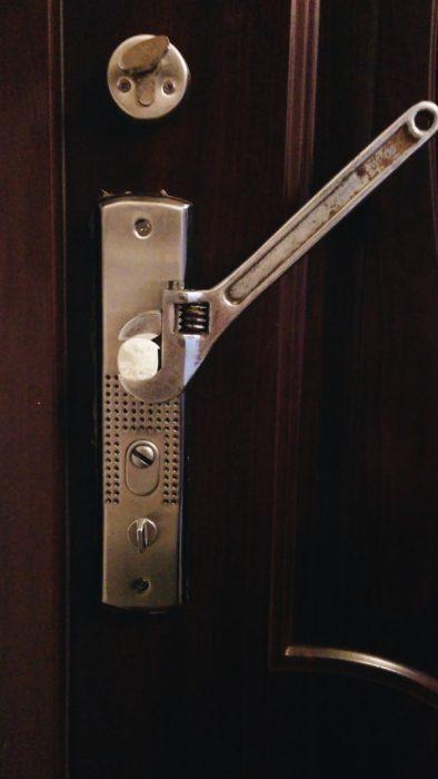 puerta ingeniosa