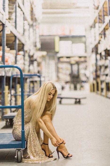 sesión de fotos en una tienda de interiores