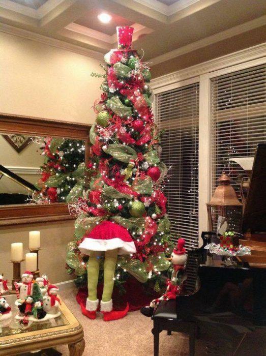 árbol navidad decorada por grinch