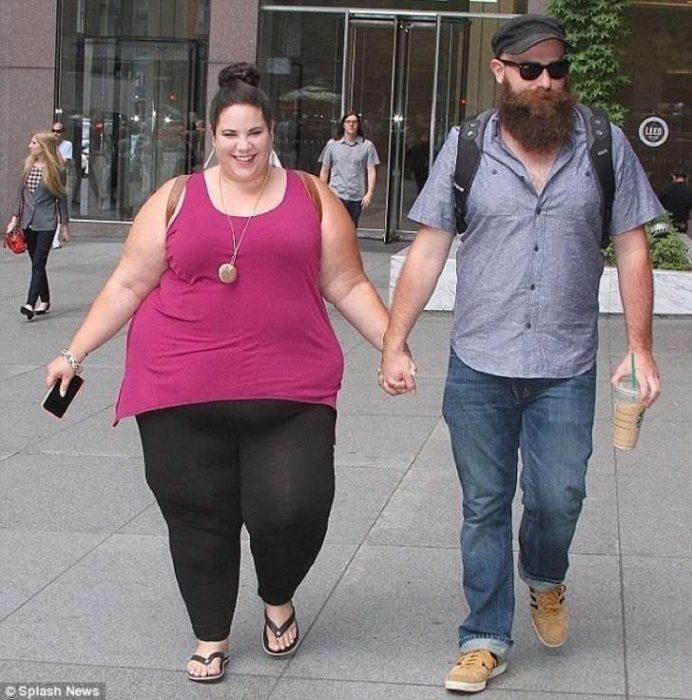 Chica gordita enamorada de un flaco amor sin importar el peso