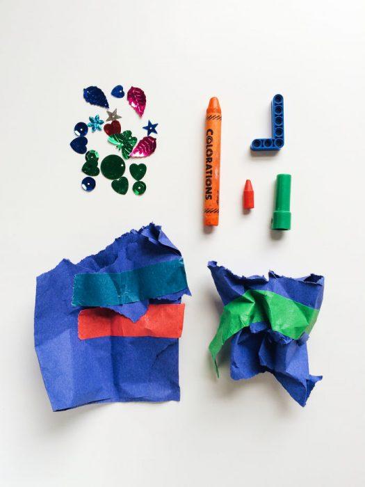 papeles crayon