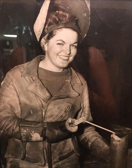 abuela soldadora