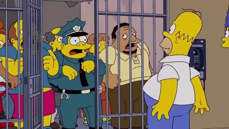 truco simpson policía