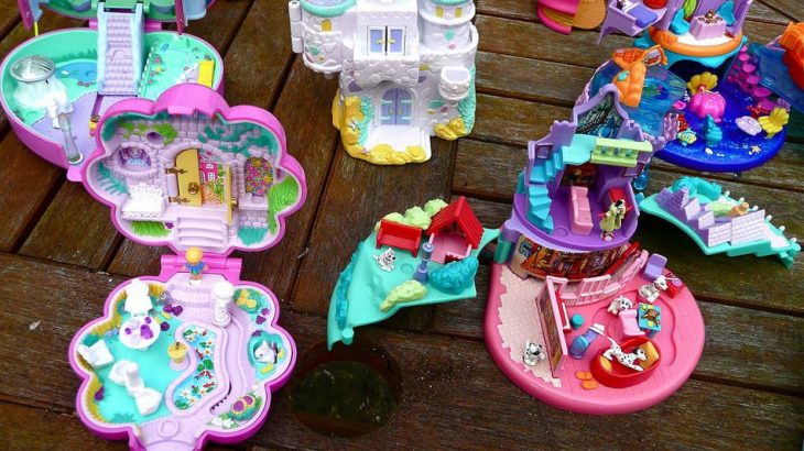 varios polly pockets