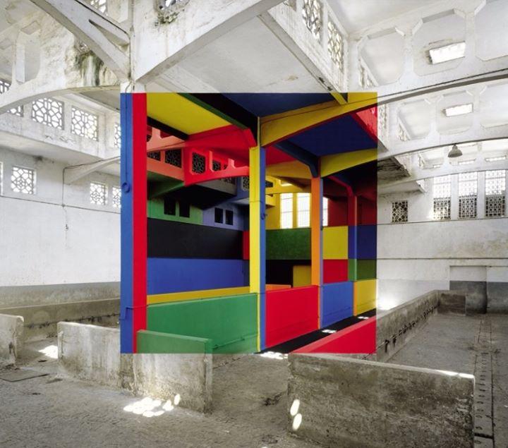 lugar en blanco con espacio pintado a colores